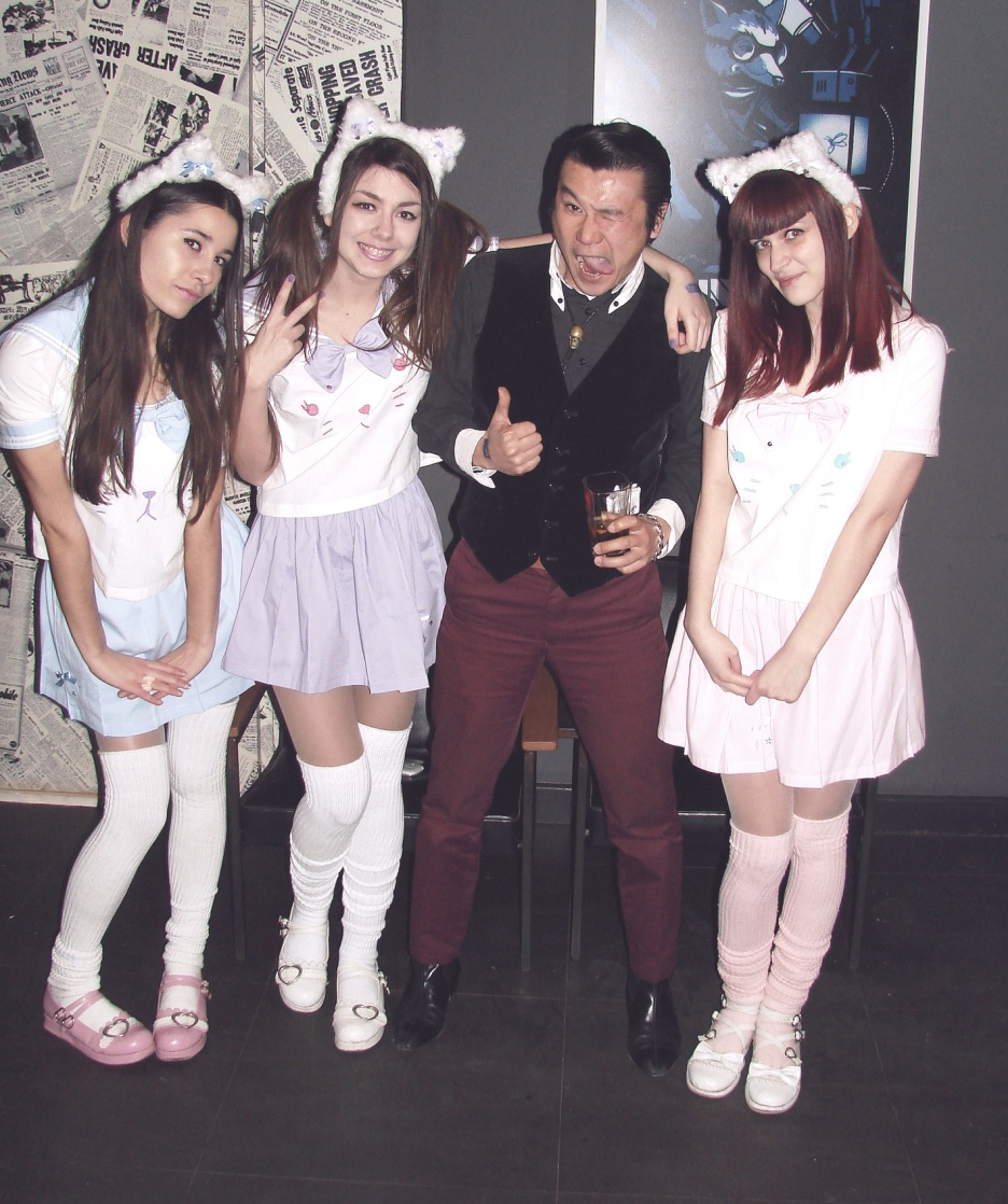 Nekomimi Nyanko hostesses with Fabian Yusuke, frontmen of the band Minnesota Voodoo Men at Harajuku Rock'n'Roll event.